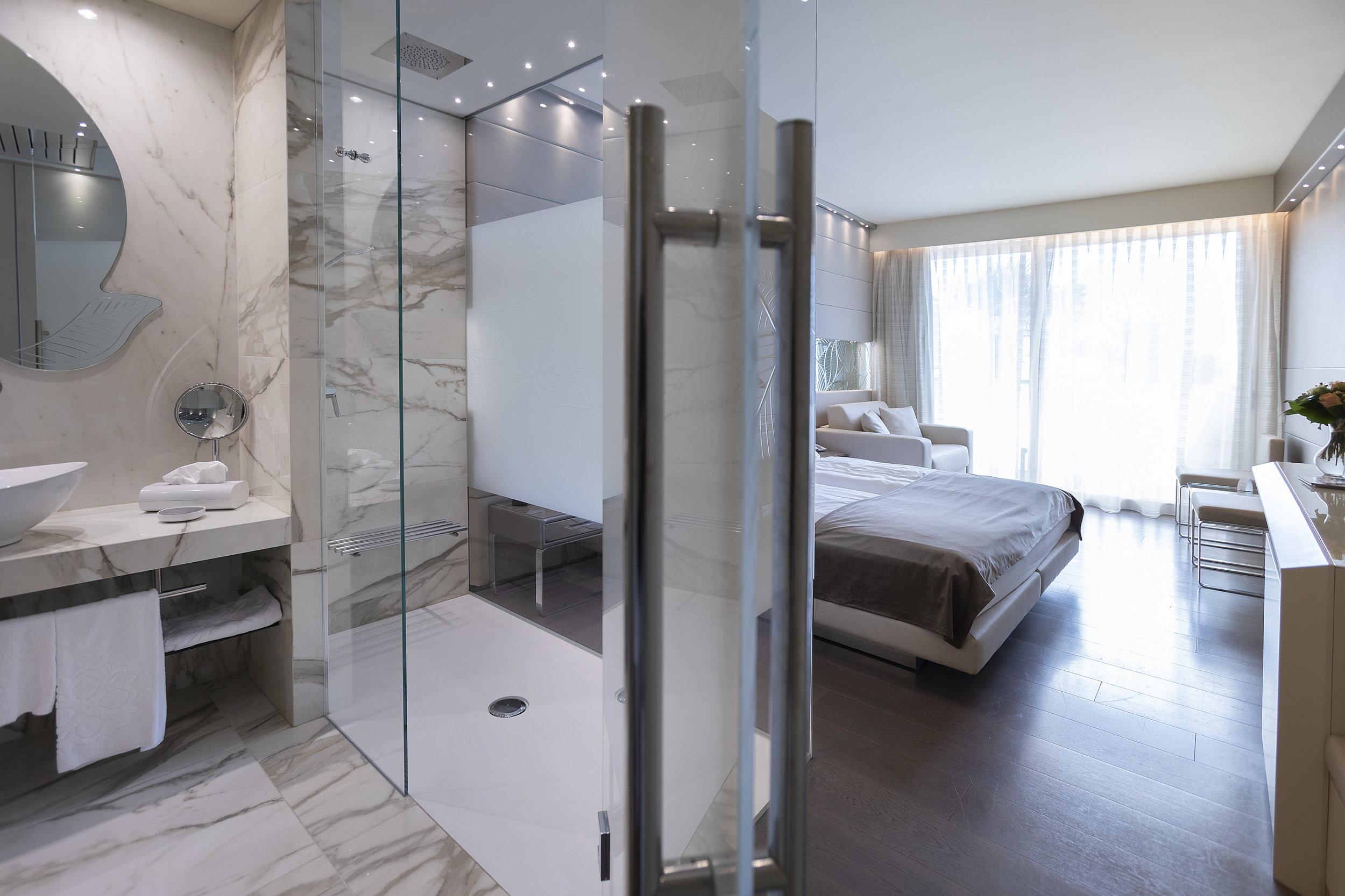 Room 210 - 06.jpg