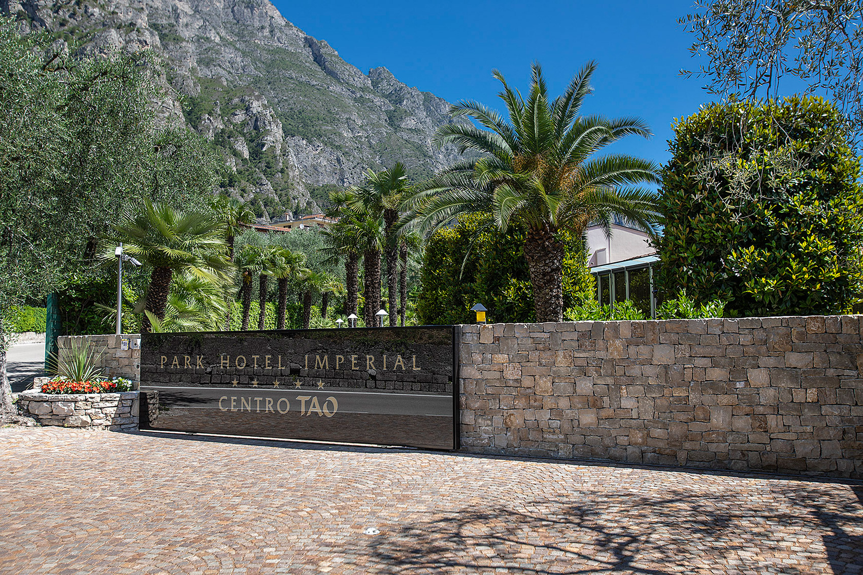 park_hotel_imperial_limone_sul_garda_centro_tao_entrata_hotel704.jpg