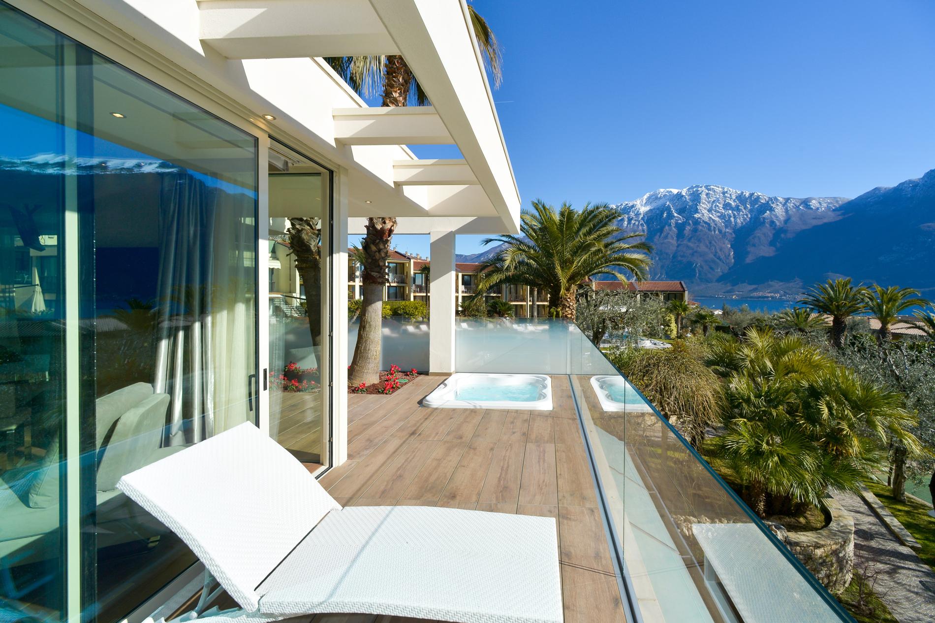 park_hotel_imperial_limone_sul_garda_camera_deluxe_suite_vista_lago113.jpg