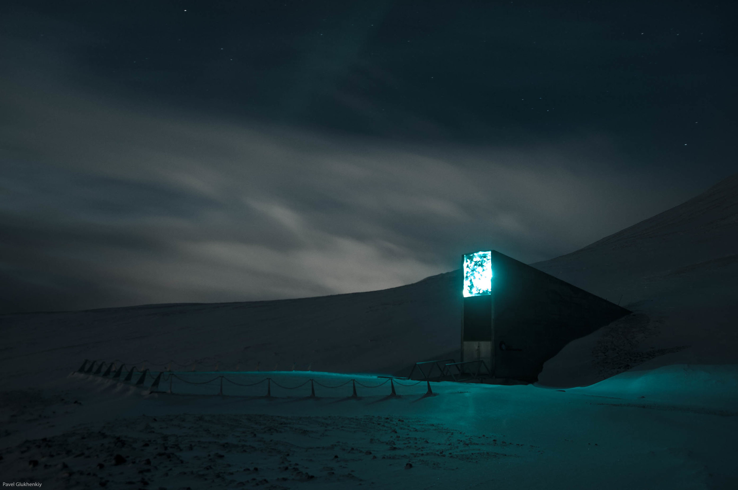 Delivery of seeds to the Svalbard Global Seed Vault