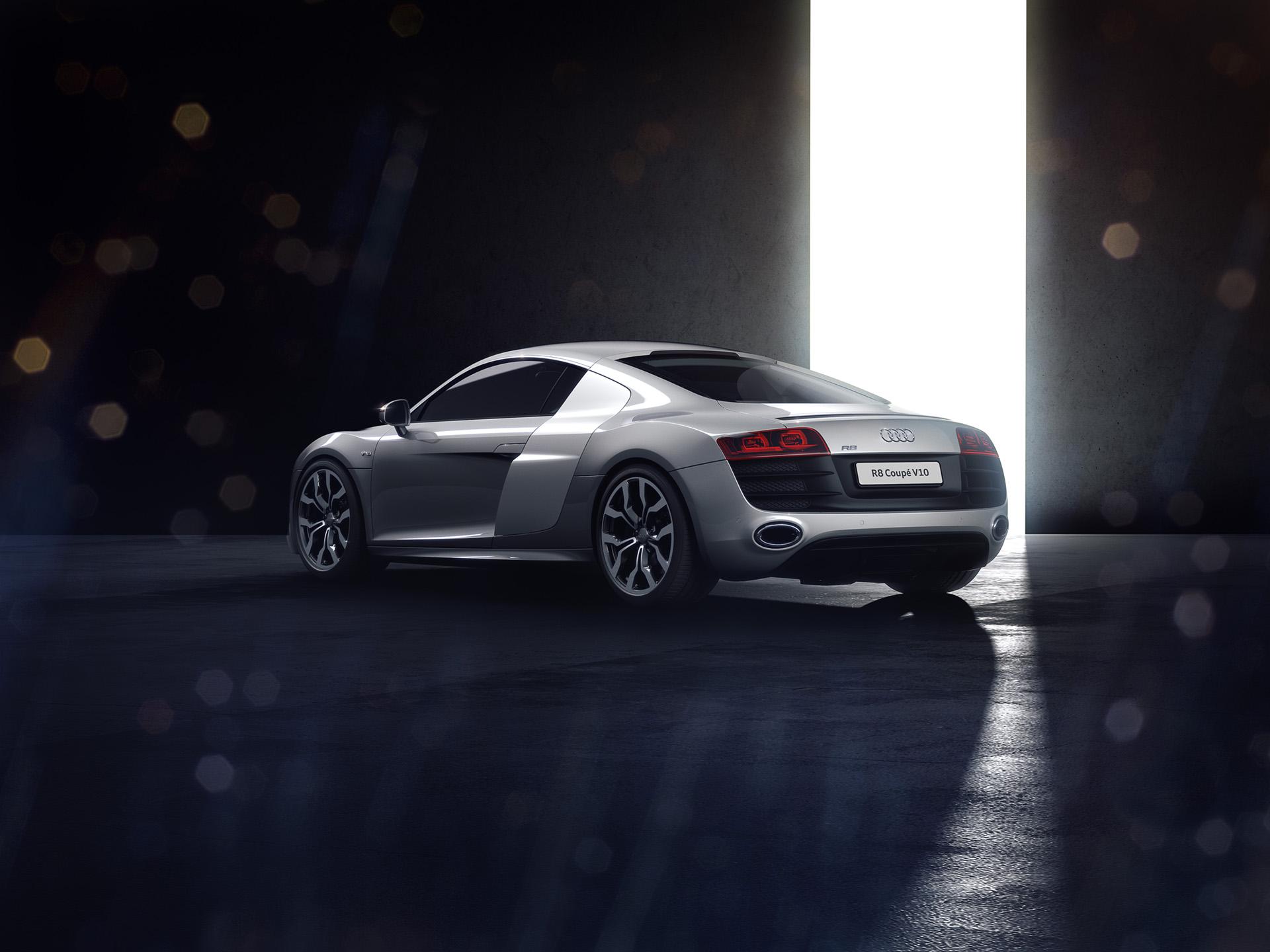 Audi_R8_Coupe_Rear34.jpg
