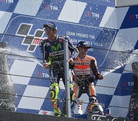 podium-1665807_640.jpg