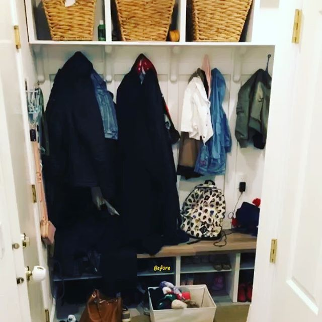 Before & Afters of a mudroom/laundry space! I'm over this weather ❄️ 🌧 Organizing and Decluttering for the new season gets me excited for some ☀️ and hopefully no more winter 🥾 and 🧥 Refreshen up your space by the season so busy areas like these aren't overwhelming when you come into your 🏠 And don't forget about adding some fun details- baskets, picture frames, hooks and more! It not only is an inviting space but also adds a touch of character and personality 😊 Casa Nessa can help you figure out how to change a room seasonally to make your life functional and beautiful! 😍