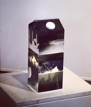 Jus framtid ( ljusskulptur ) #brightfuture#dystopiansculpture#photoart#dystopianlightsculpture#jusframtid#ljusframtid#juicefuture#juice#dystopianjuice#installation#ljusinstallation#future#clifiart
