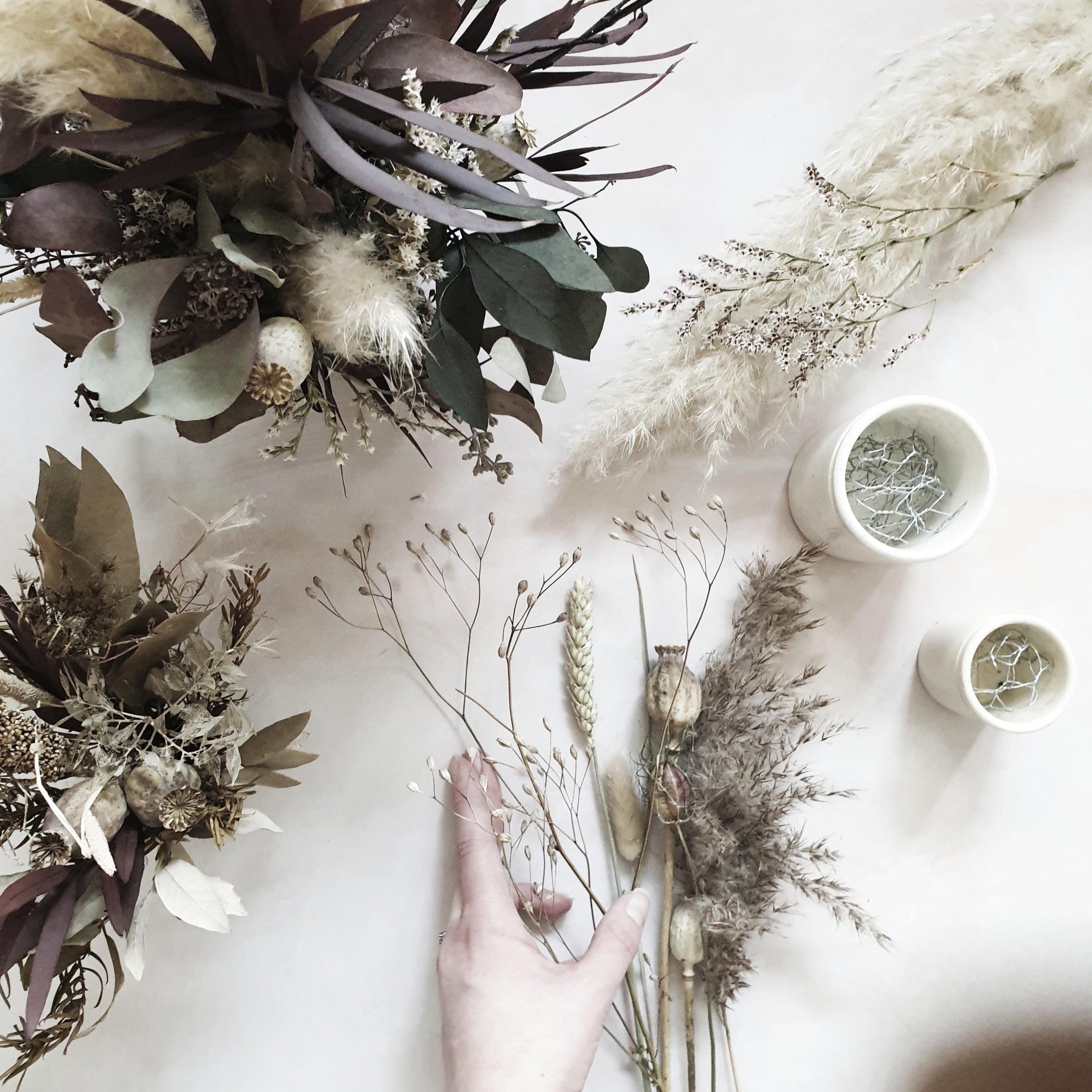 dried+flowers-min.jpg