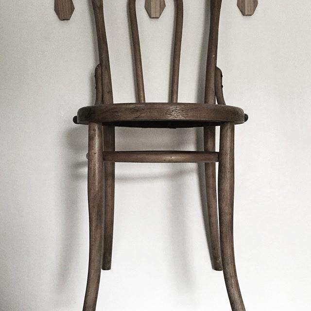 beshley chair.jpg