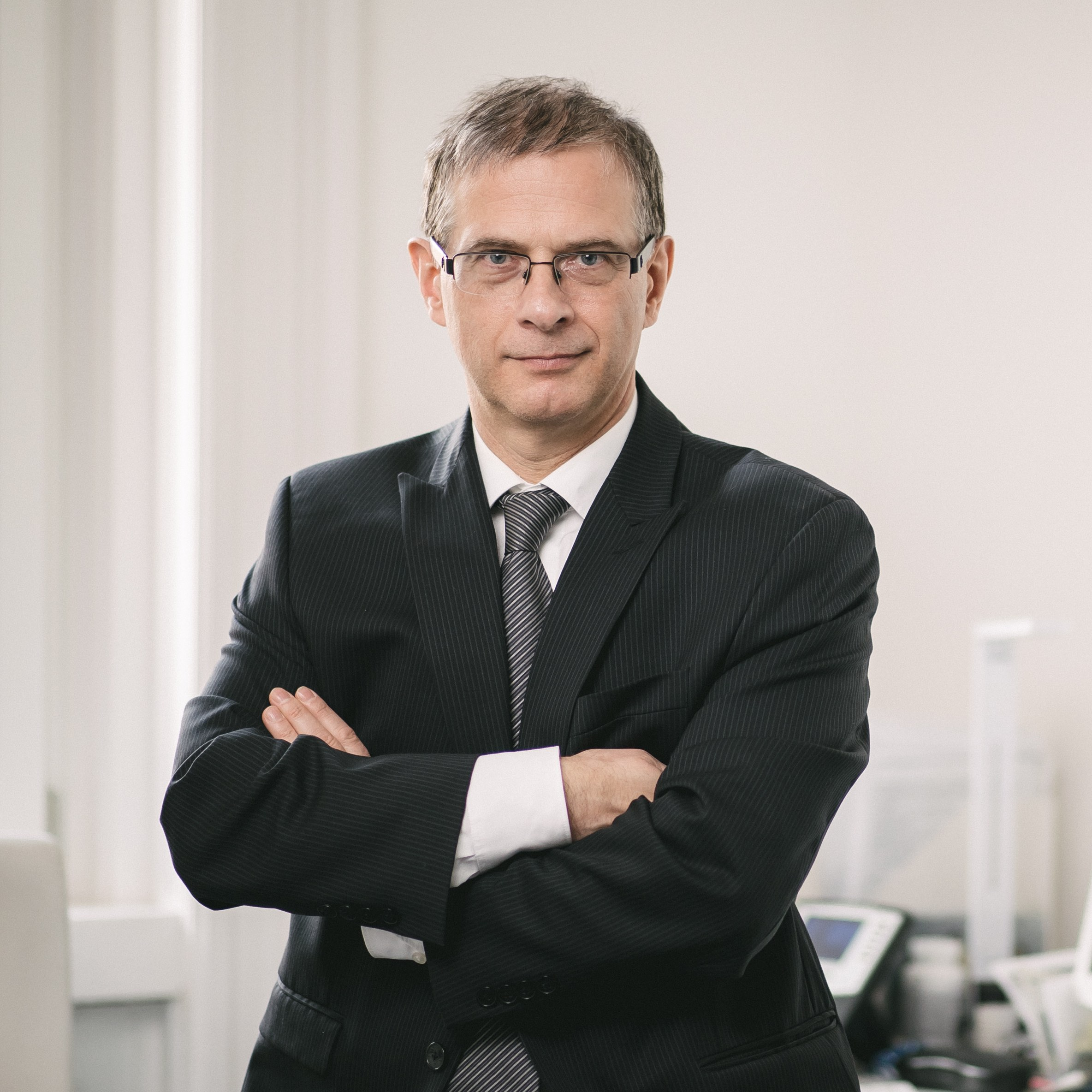 PINTZ György   Ügyvezető  Európai szabadalmi és védjegy ügyvivő  Okleveles gépészmérnök