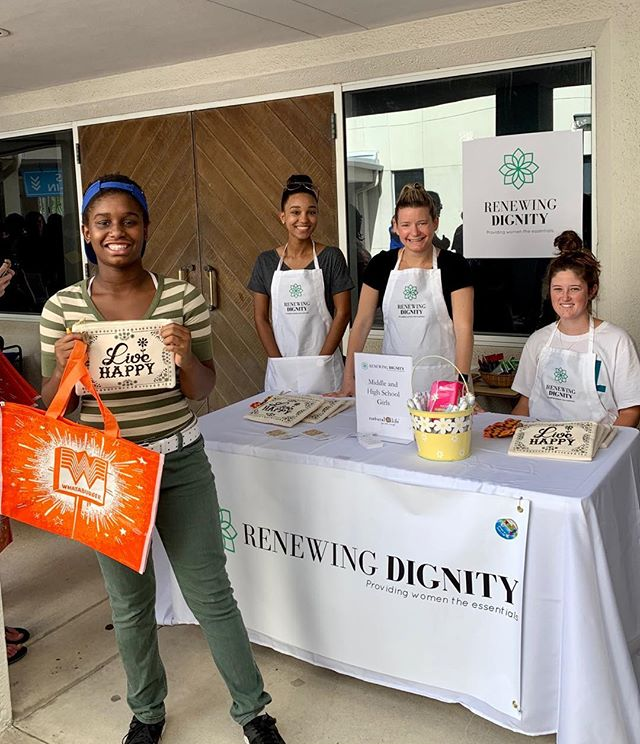 Big smiles at the @jax_beam Back to school event today. 😁. Period supplies provided by Renewing Dignity in cute bags donated by Natural Life!  Thank you volunteers: @scoutlionswatch @dr.martaperez @arianajohnsonphotography Bailey, Reese Park, Madison Hughes!  @feedingnefl @womensgivingalliance @naturallife