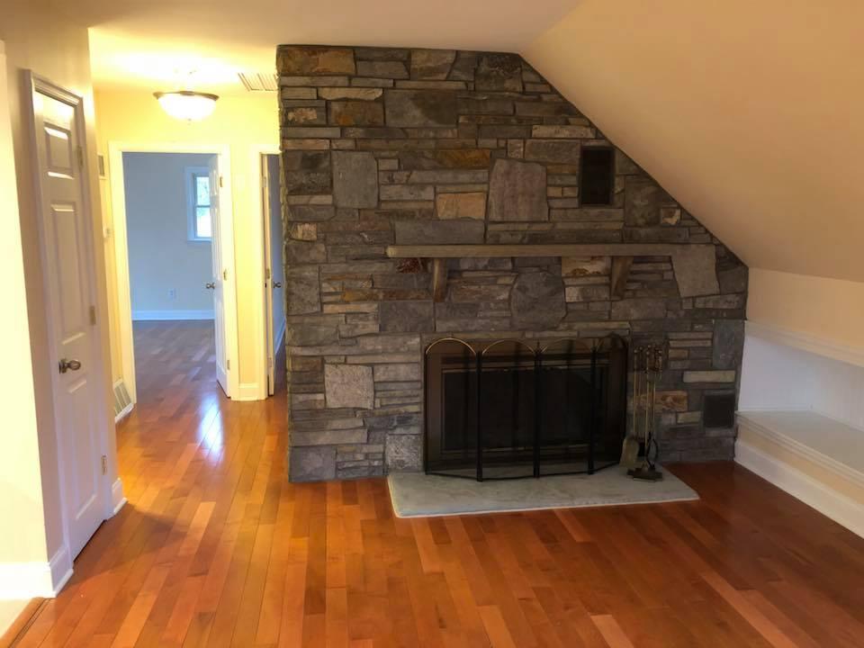 stone: custom ashlar ledge natural stone  installer: patrick breen masonry & concrete