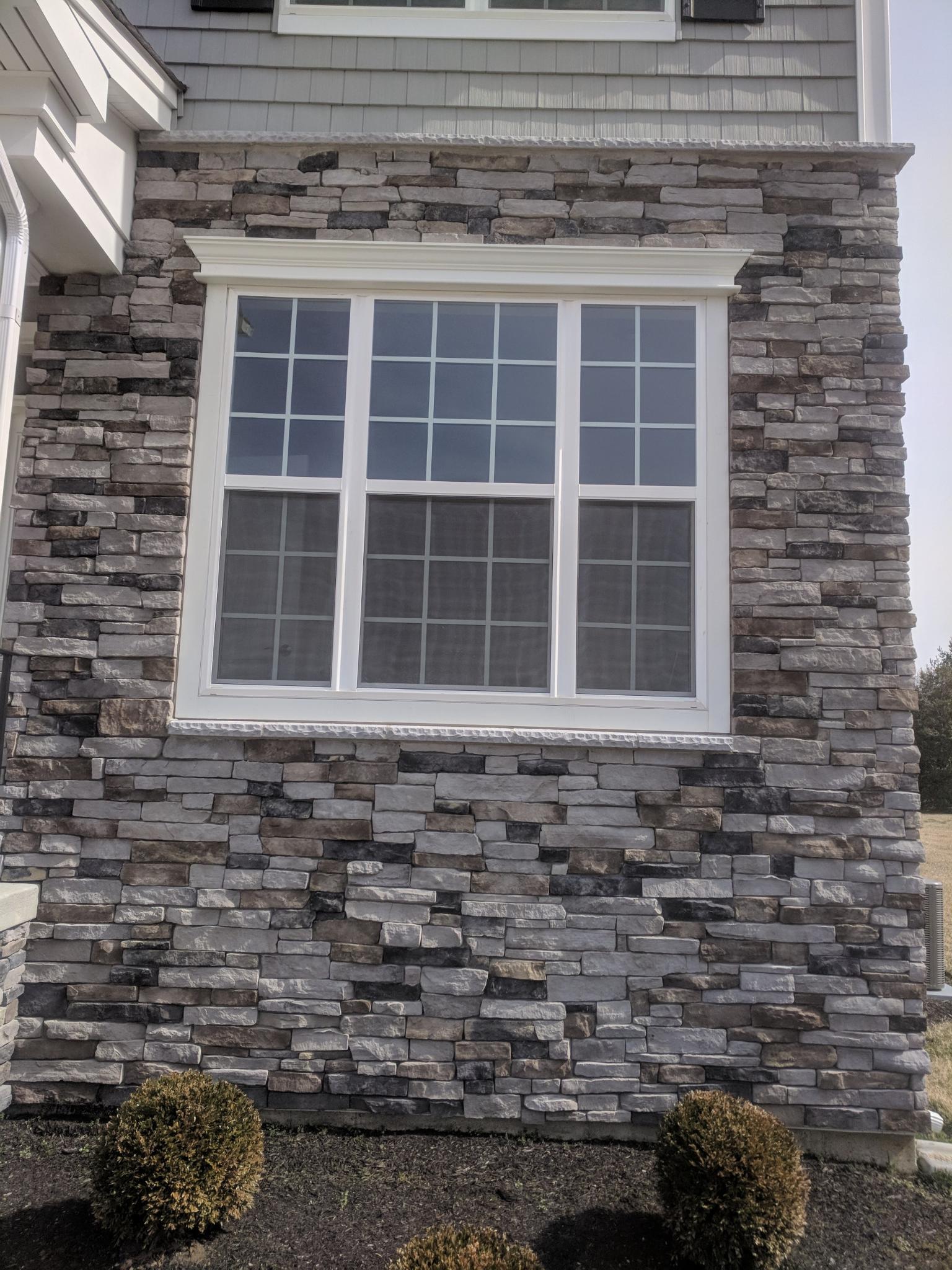 stone: pennsylvania ledgestone. installer: stone masons LLC