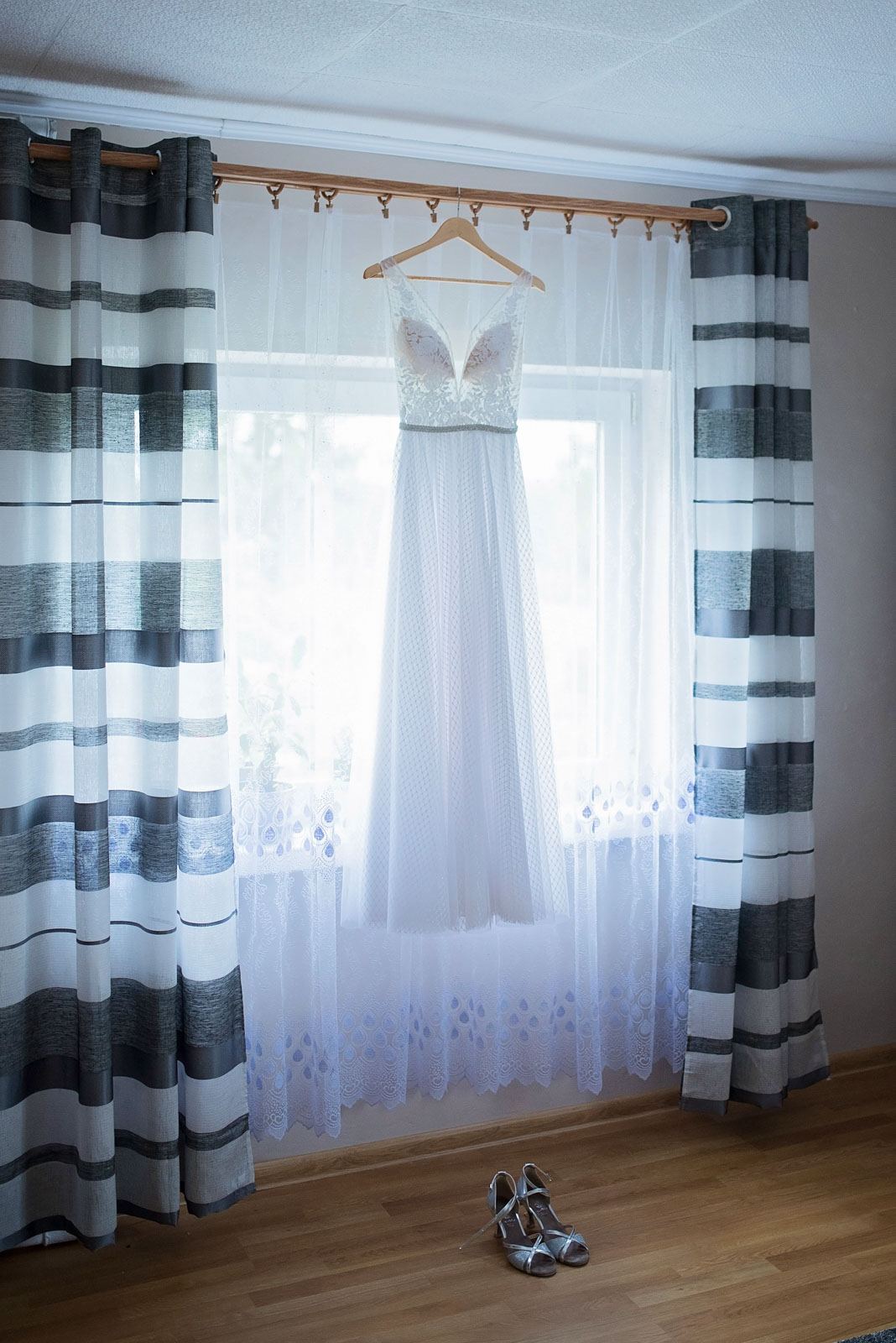 przygotowania-u-panny-mlodej-banie-mazurskie-wesele (1).jpg