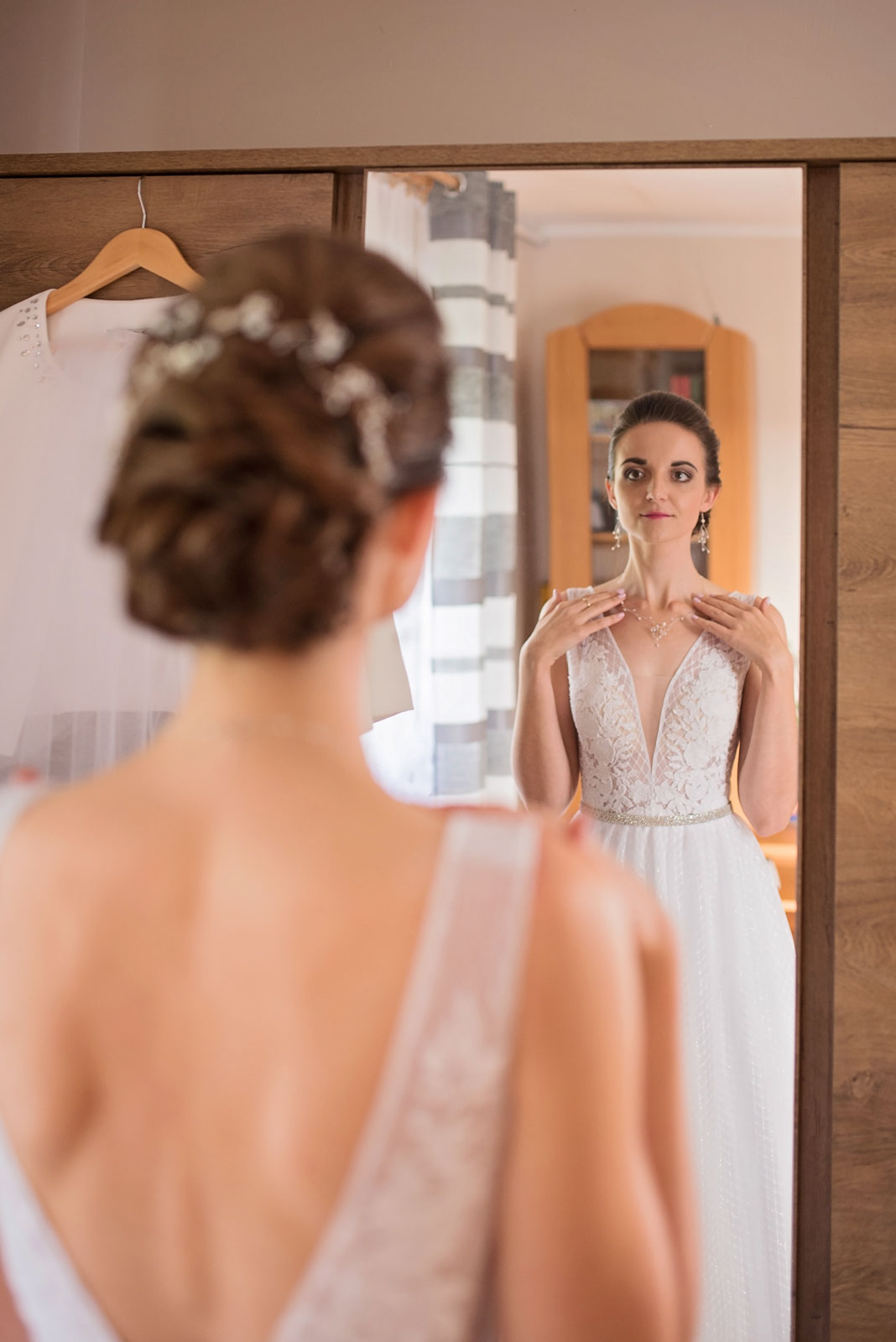 przygotowania-u-panny-mlodej-banie-mazurskie-wesele (8).jpg