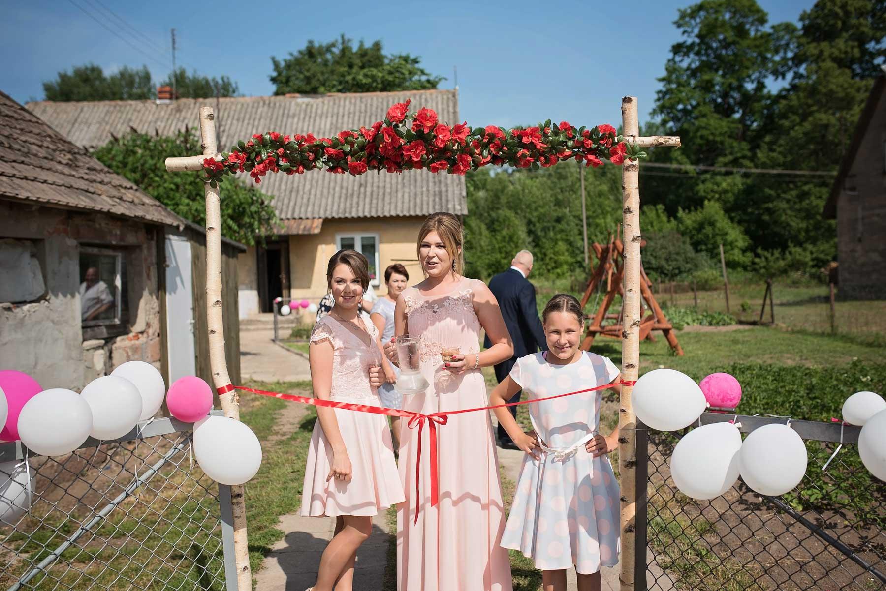 brama-weselna-na-wsi