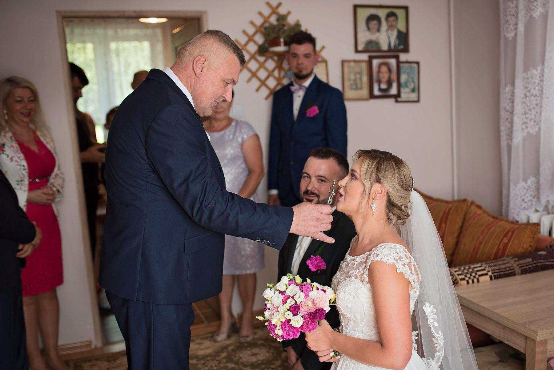 krzyż-św-zdjęcia-ślubne