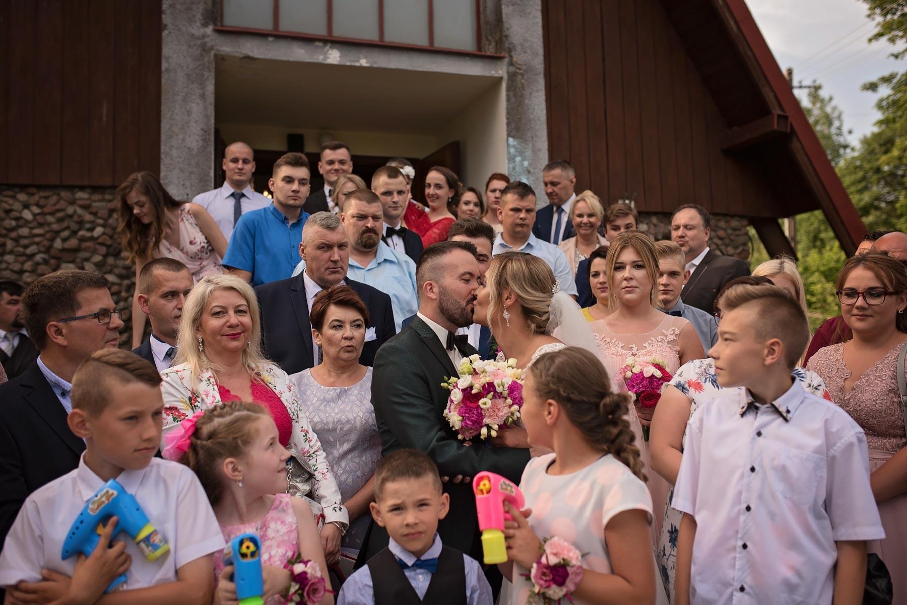 zdjęcia-grupowe-podczas-wesela