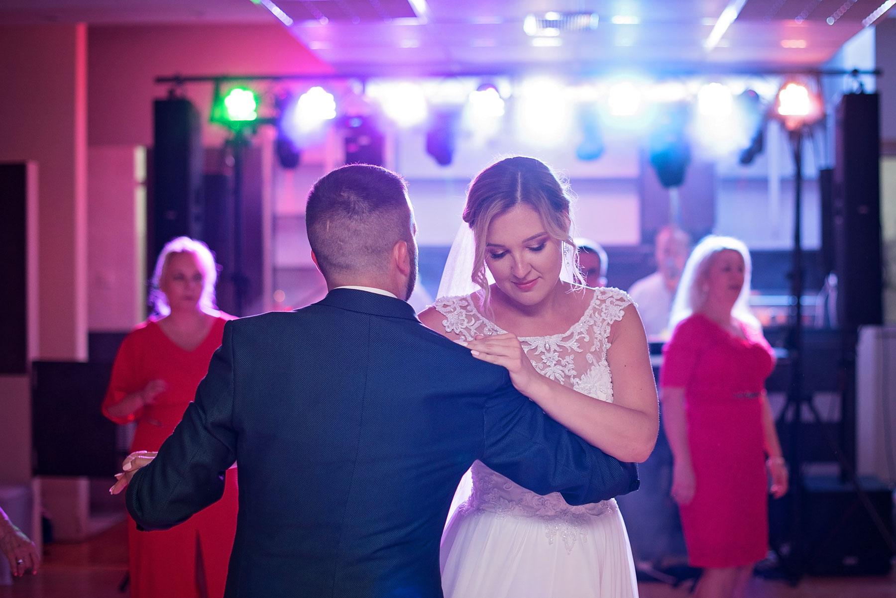 romantyczny-taniec-młodej