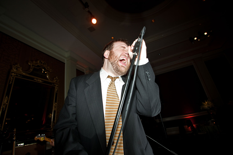 Dexter-Lake-Lead-Singer-NY-Times-Andrew-Hetherington.jpg