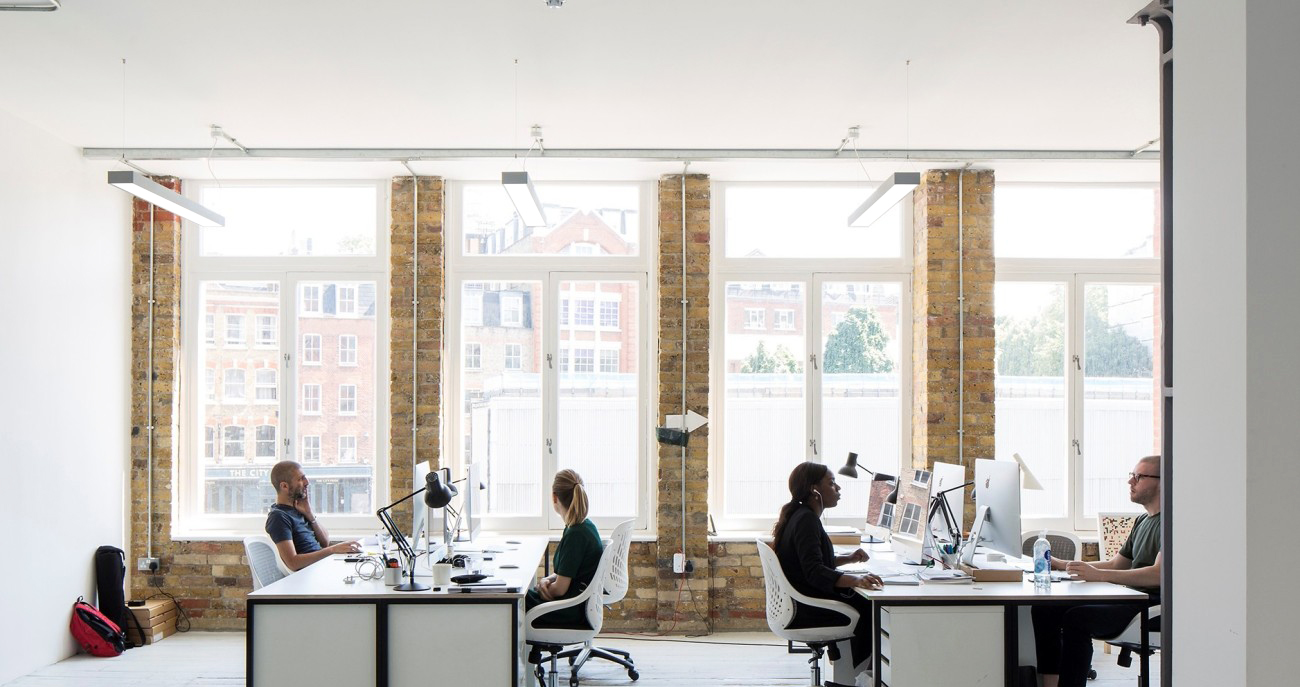 CONTEMPORARY CAT A OFFICE FITOUT. -