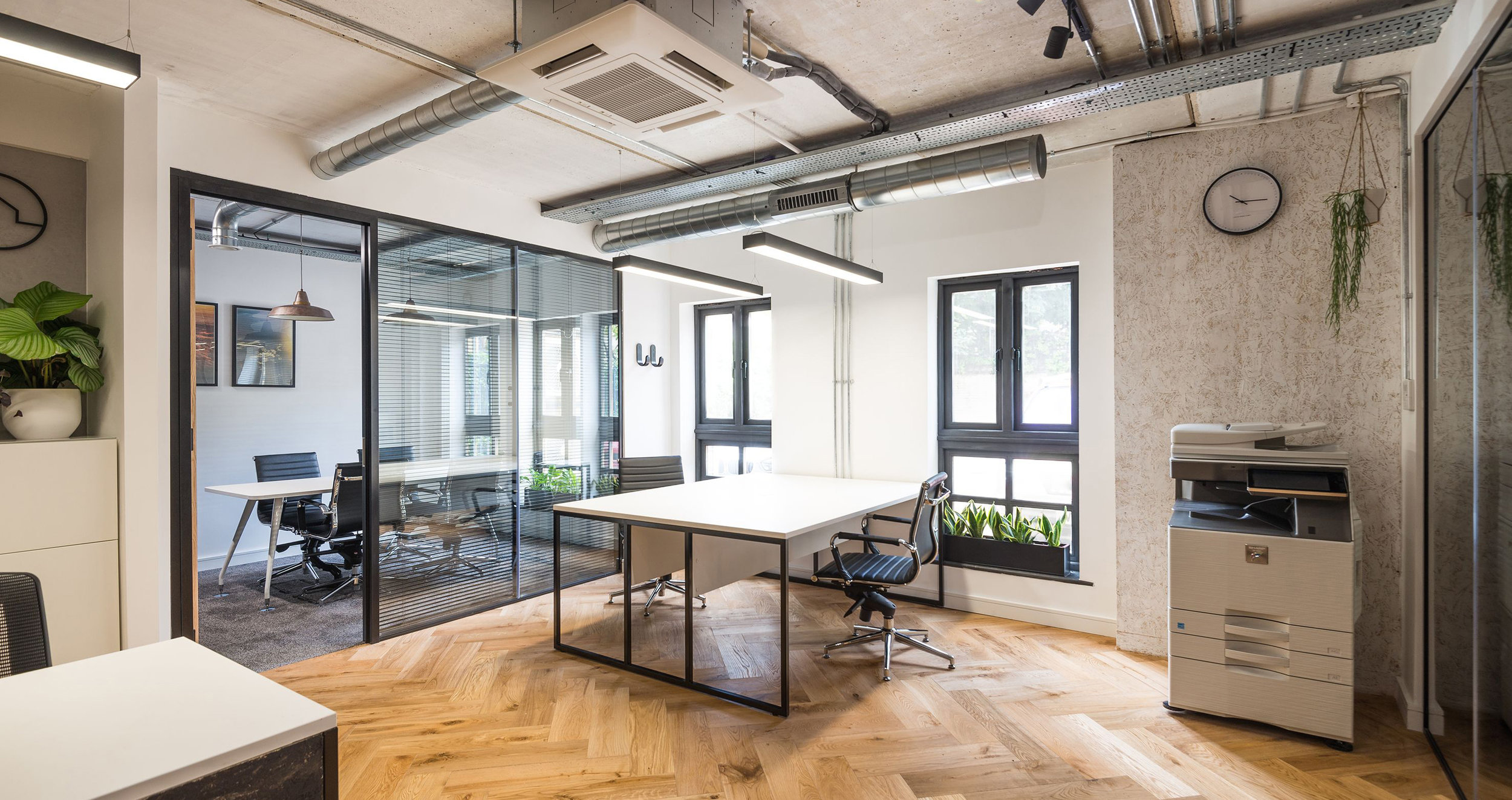OFFICE LIGHTING FOR A FAST PACED OFFICE FITOUT. - PTC, LONDON.