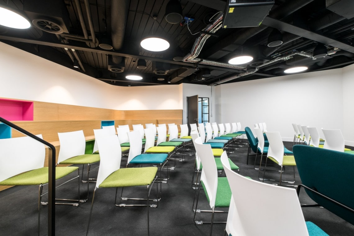 skyscanner-lecture-hall-chairs-min.jpg