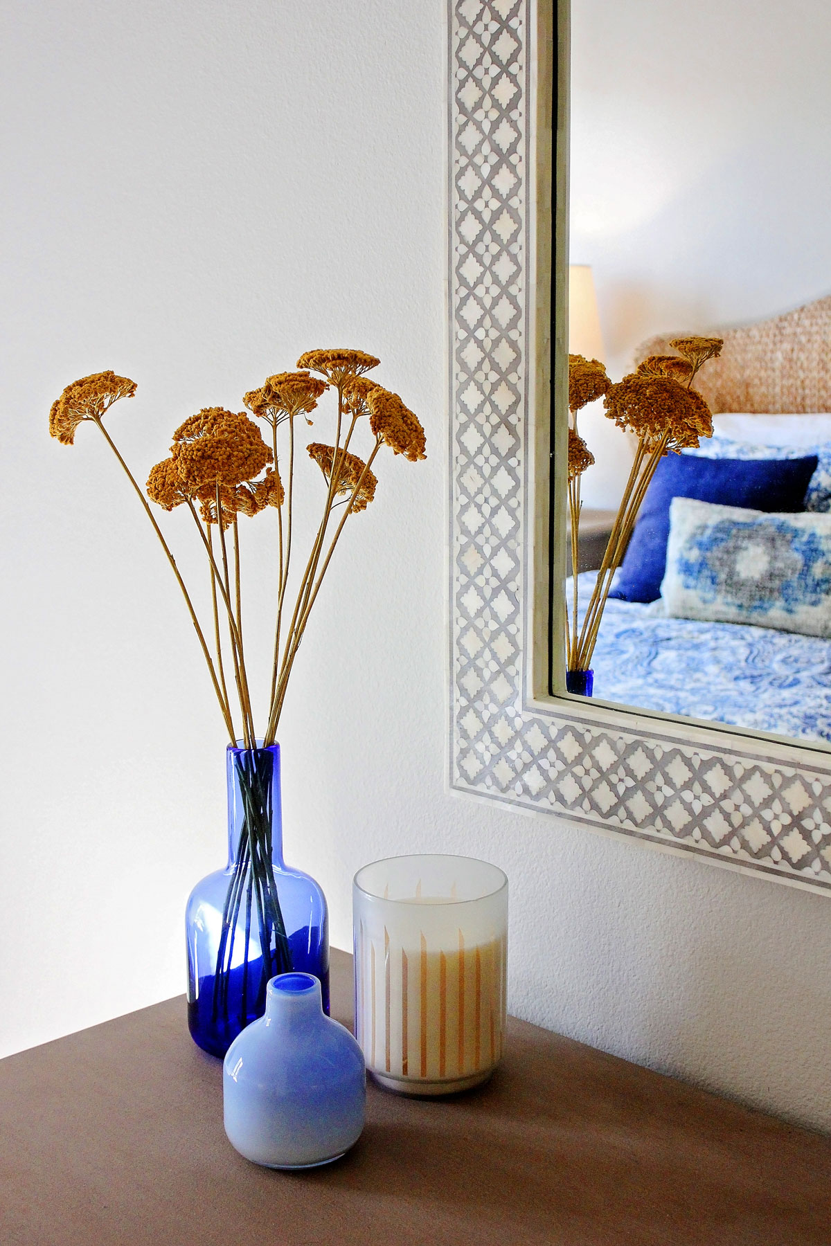beach-cottage-decor-vignette-mirror-rollins-andrew.jpg