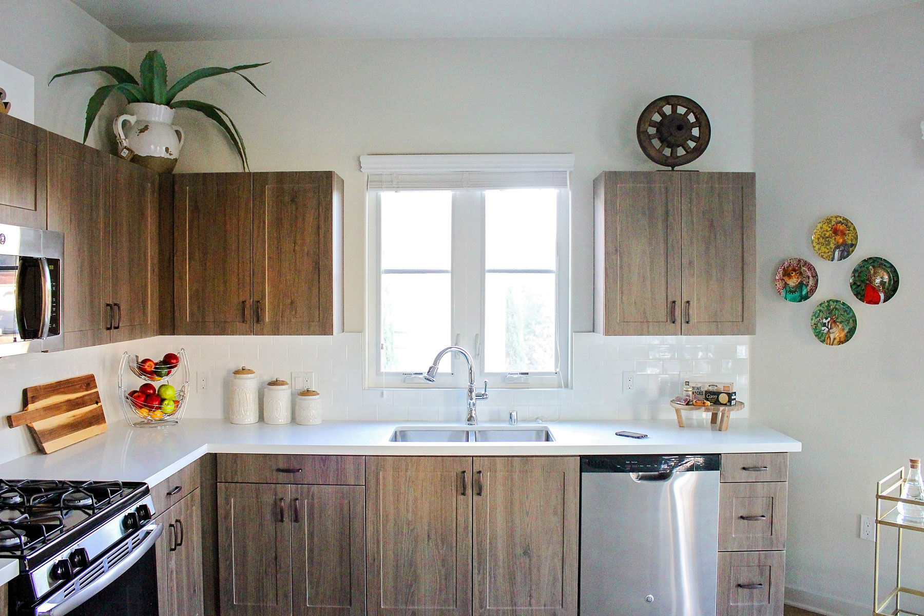 contemporary-kitchen-rustic-wood-cabinets-sleek-rollins-andrew.jpg