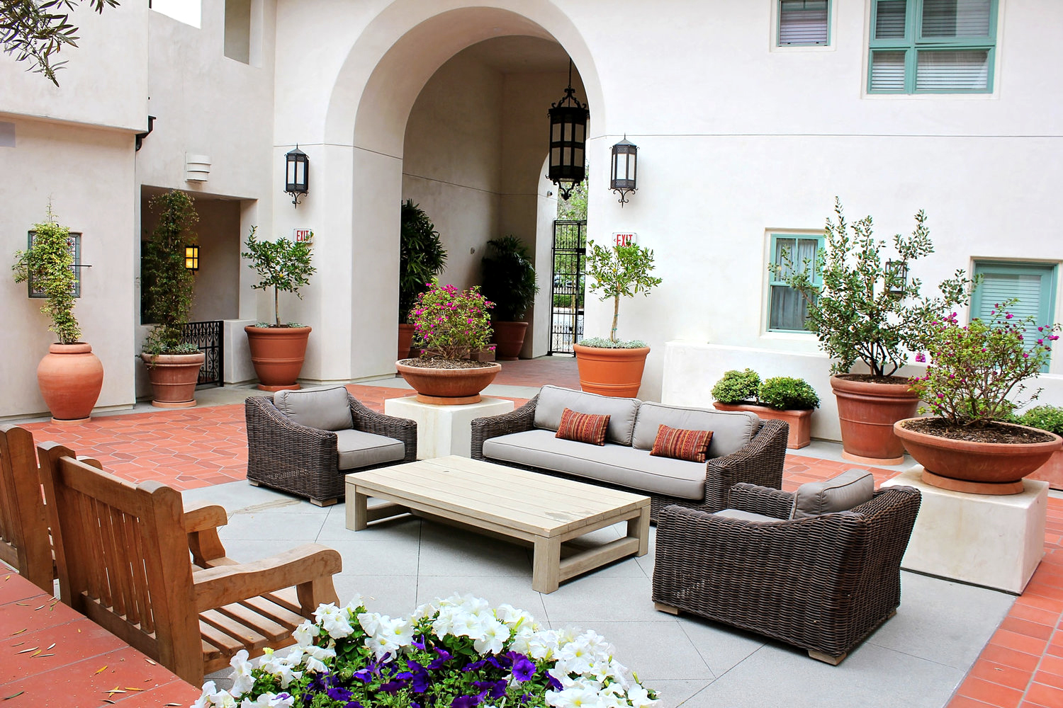 2-spanish-central-patio-outdoor-living-rollins-andrew copy.jpg