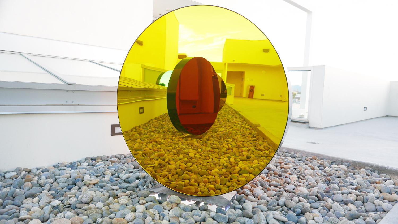 ShanaMabari_DiametrosPetals_36x36x5inches_91.4x91.4x12.7cm_48x48x6inches_121.9x121.9x15.2cm_Acrylic_Mirror_2015_03.jpg