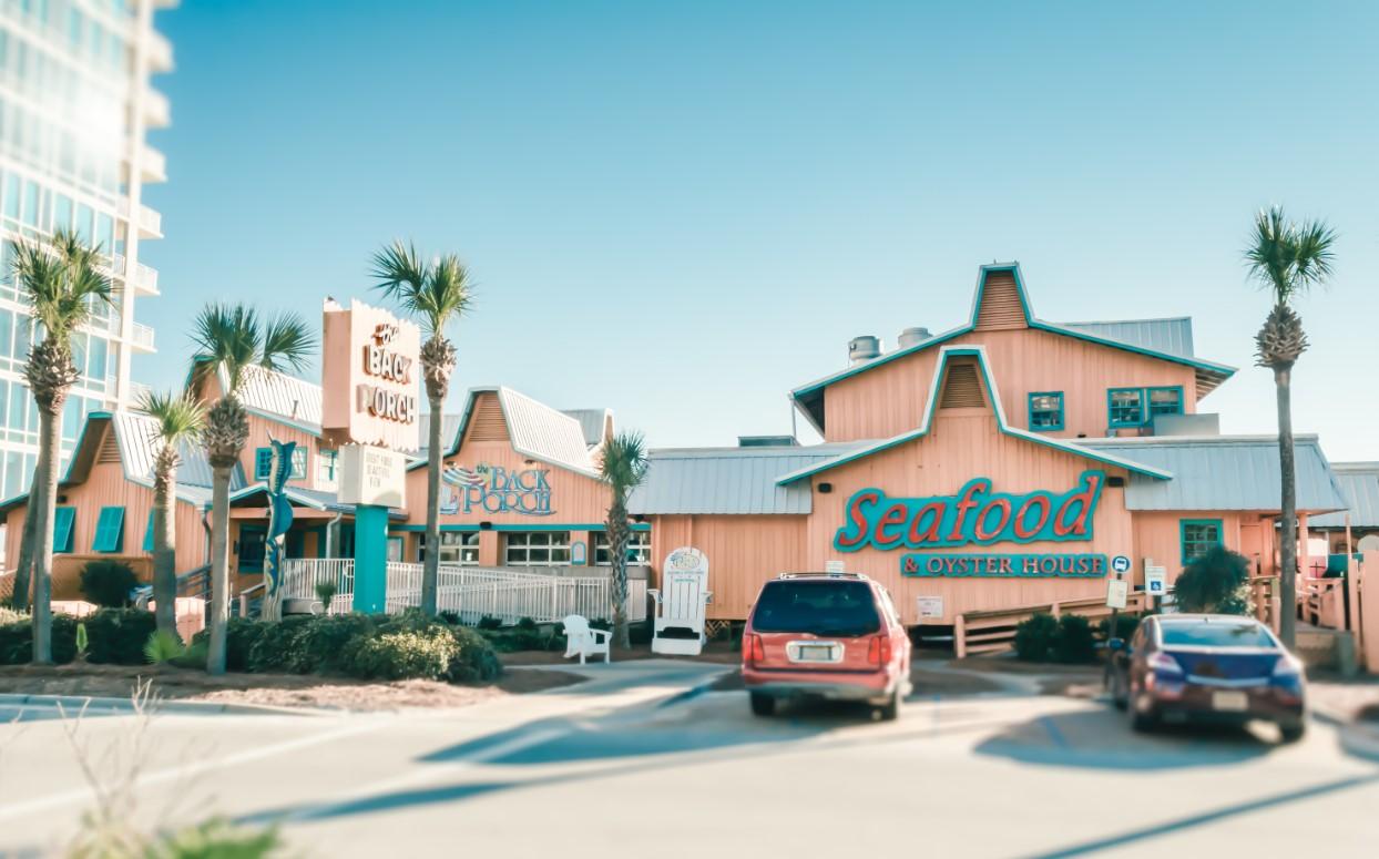 PRESCOTT-ARCHITECTS-THE-BACK-PORCH-DESTIN-FLORIDA-12.jpg