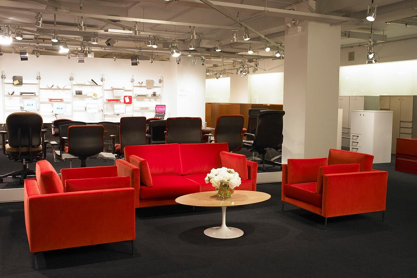 $$ - Divina Standard Lounge Chair