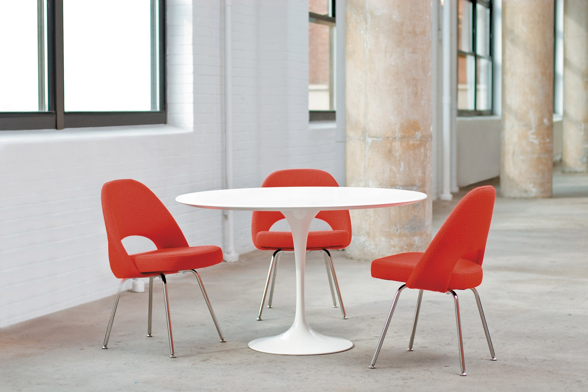 $$ - Saarinen Table