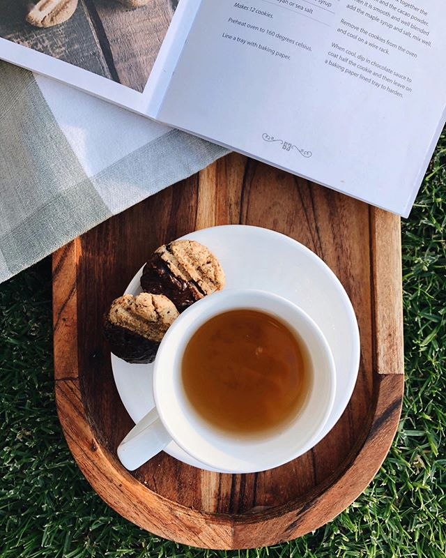 We can experience so much more happiness in life if we learn to enjoy the little things. Don't be too busy to miss out on these small moments of pleasure. Join us tomorrow morning from 9:30am for Yoga & Tea 〰️