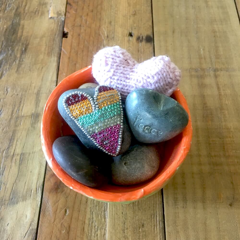 Hearts in a Bowl・Karen Mittet Narrative Therapy & Grief Counseling