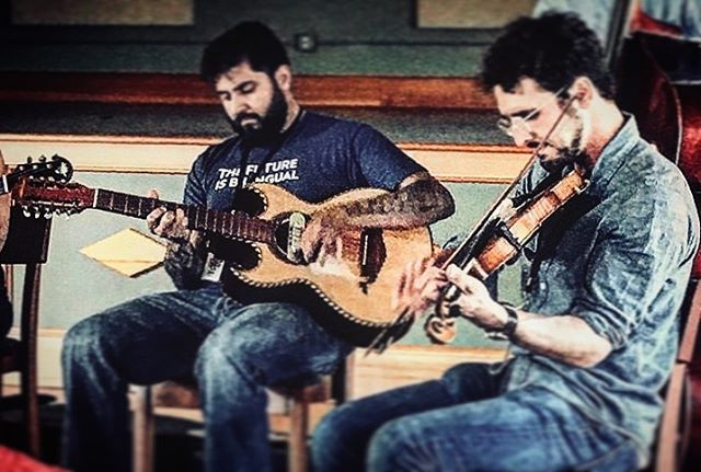 Acoustic tunes tonight at the Low N Slow in Santa Fe, 6-8pm. . #bajoandfiddle #bajoquinto #violin #norteño #oldschool #acoustic #livemusic #fiddle #huapanguera #musicaregional #cantina #rancheras