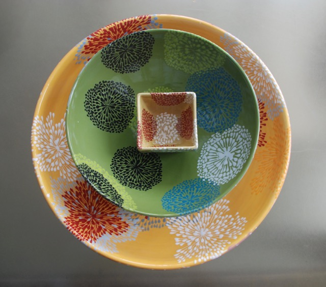 MOSS PATTERN SERVING BOWL