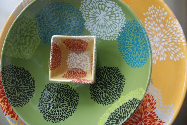 STARBURST SERVING BOWL