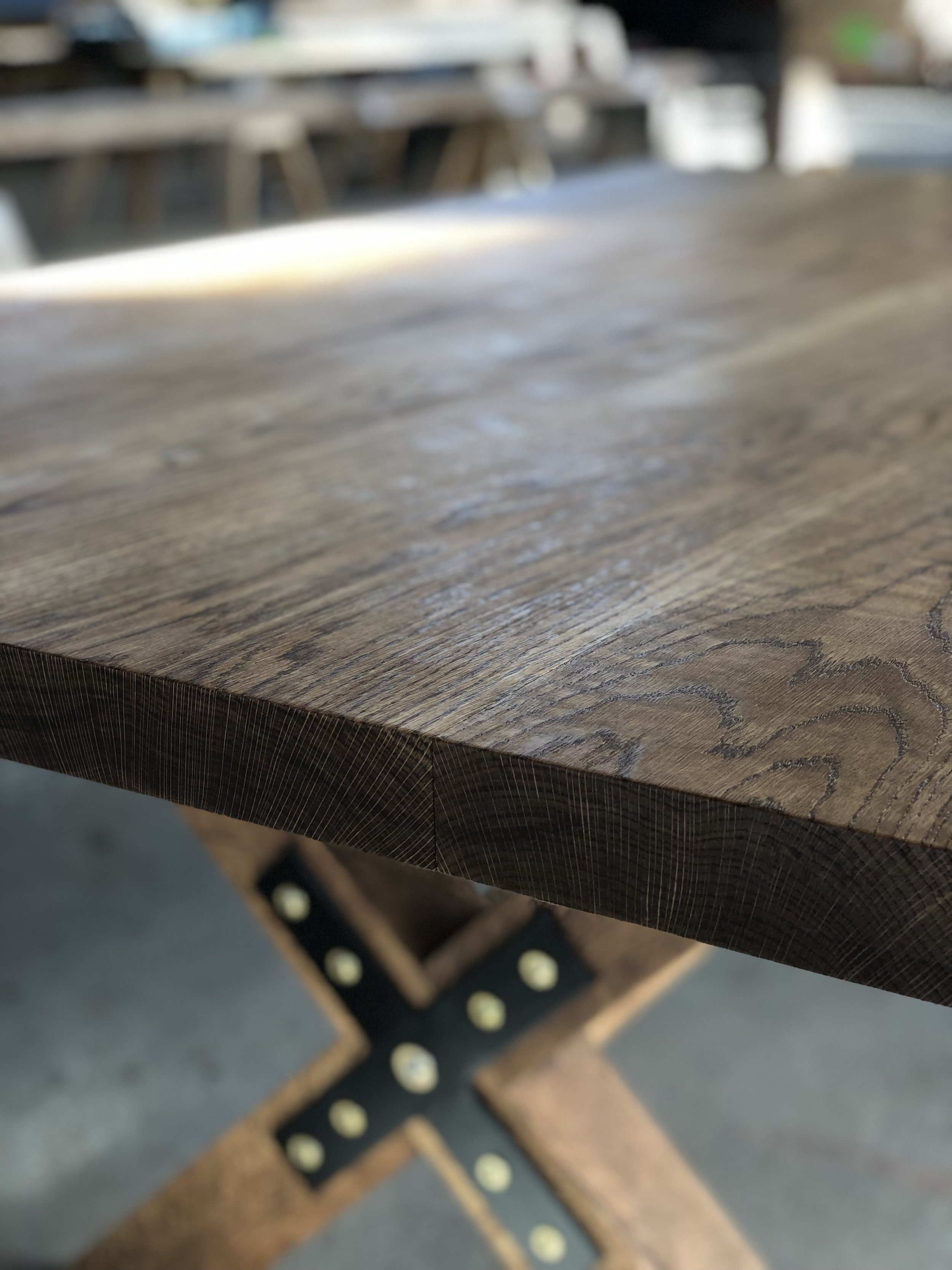 X-base Dining Room Table