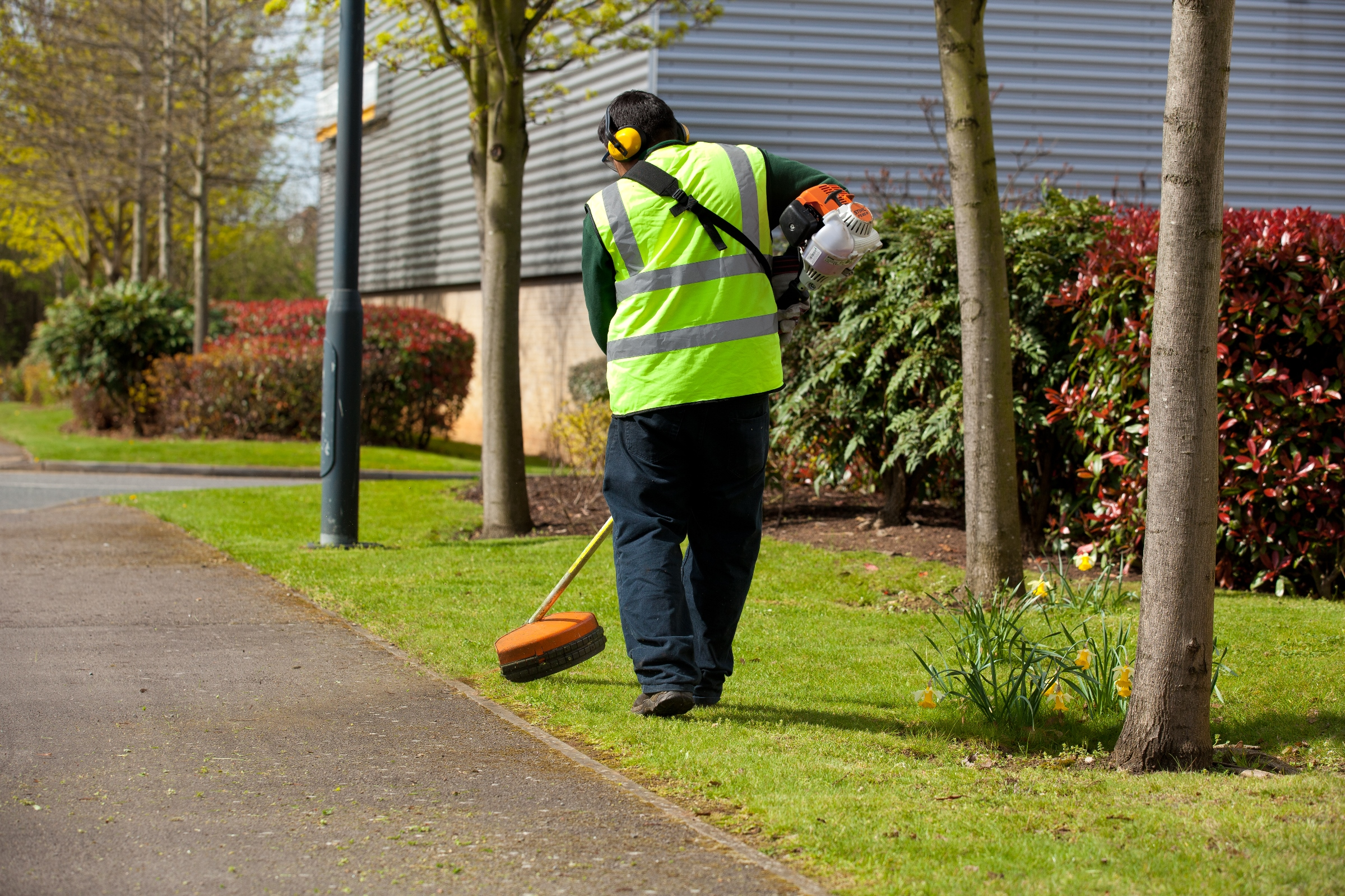 exterior-grounds-maintenance-landscaping.JPG