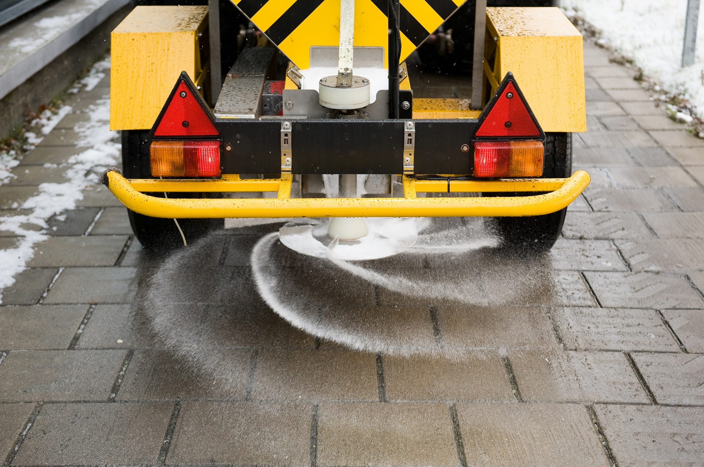 gritting-road-salt-grit-bin.jpg