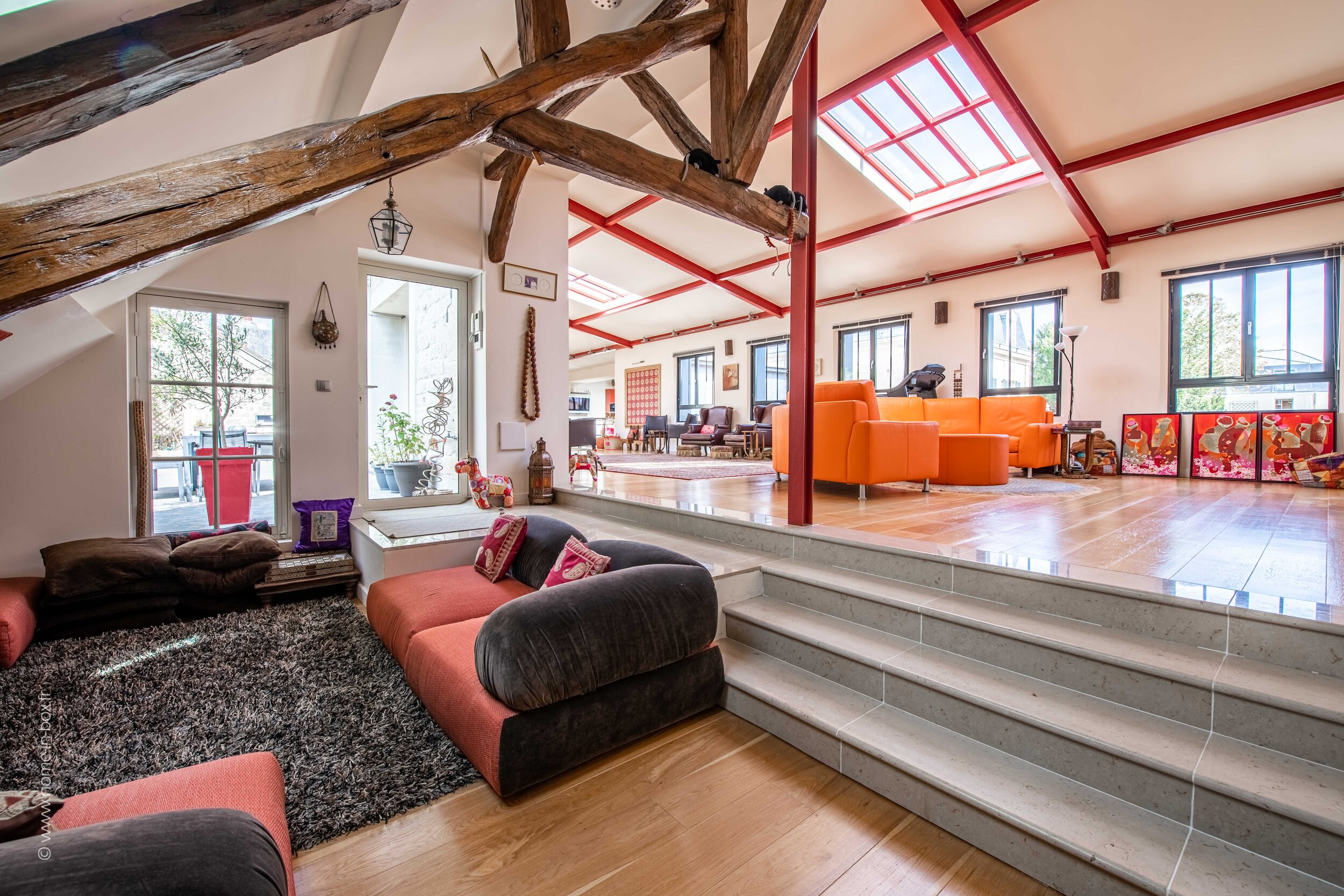 LOFT APARTMENT LUXURY T10 IN CHANTILLY FRANCE...22 Minutes ...
