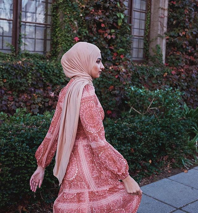 Swipe to see this dress in motion 💃🏻 . . . 📸 @jessicaamdur  #aishapaedia #hijab #hijabblogger #modestfashionsa #southafricanblogger #fashionblogger #southafricanfashion #fashionblog #modesty #lookbook #styleblogger #blogsofinstagram #instagramblogger #capetownmag #woic #capetownblogger #blogsofsa #southafrica  #shetravelsmodestly #modestlycaptured  #modestyle #scarfstyle #portraitphotography #modesty #instagrammerblogger #fashion #sastyle #fashionlookbook #sacreatives #model #instagood