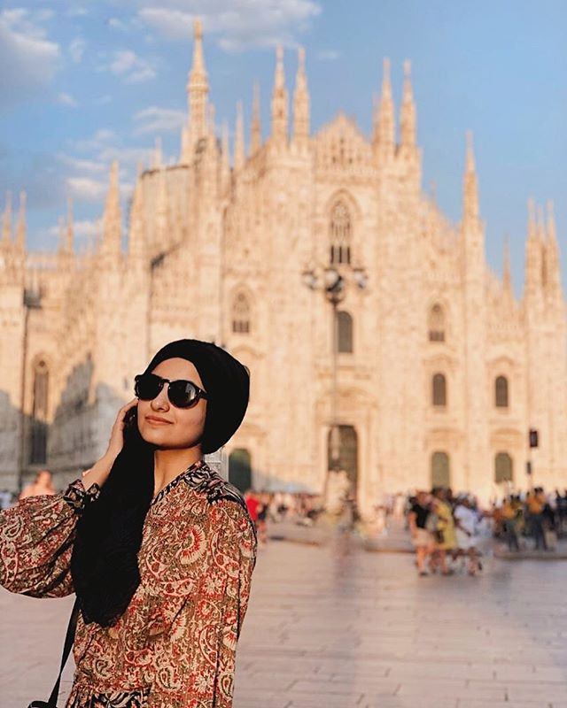 Allora👌🏼 ready for some Milan updates? Milan was my least liked city out of the ones we visited in such a short time. There was a few reasons for this but I think it's worth seeing if you want to visit a fashion capital of the world👜 . . . #aishapaedia #hijab #hijabblogger #modestfashionsa #southafricanblogger #fashionblogger #southafricanfashion #fashionblog #modesty #lookbook #styleblogger #blogsofinstagram #instagramblogger #capetownmag #woic #capetownblogger #blogsofsa #southafrica  #shetravelsmodestly #modestlycaptured  #modestyle #scarfstyle #portraitphotography #modesty #instagrammerblogger #fashion #sastyle #fashionlookbook #sacreatives #model #instagood