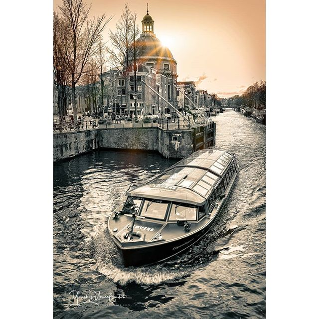 · · · · #boating #travelphotography #amsterdam #picture #travel #europe #instagood #boatlife #europe_vacations #europe_gallery #travelling #amsterdamlife #amsterdamworld #instatravel #riverside #river #riverwalk #travelgram #iamsterdam #photo #photooftheday #amsterdamcity #boat #nature #boats #rivers #picoftheday #ig_europe #youshij #papaphotos