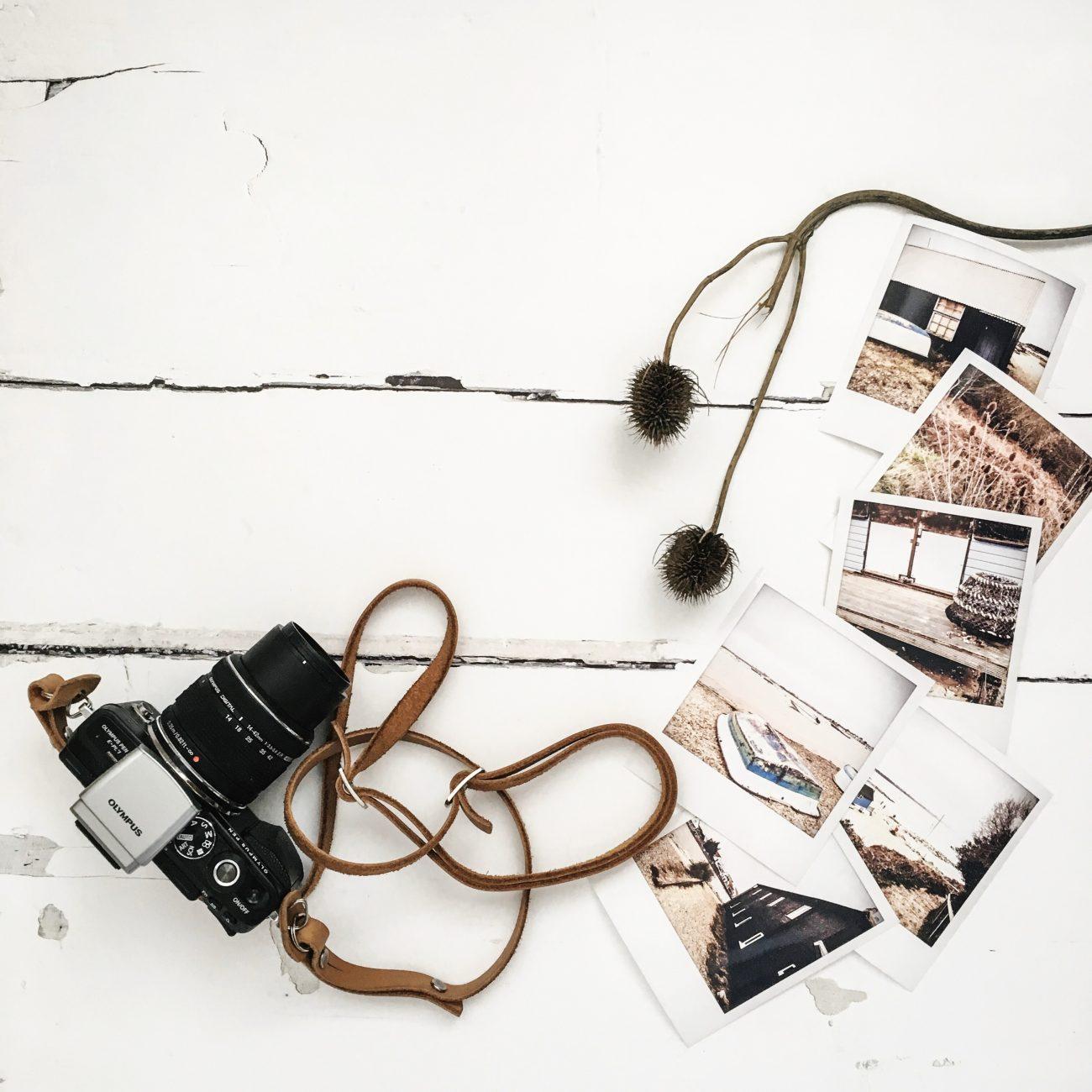 flatlay-camera-polaroids.jpg
