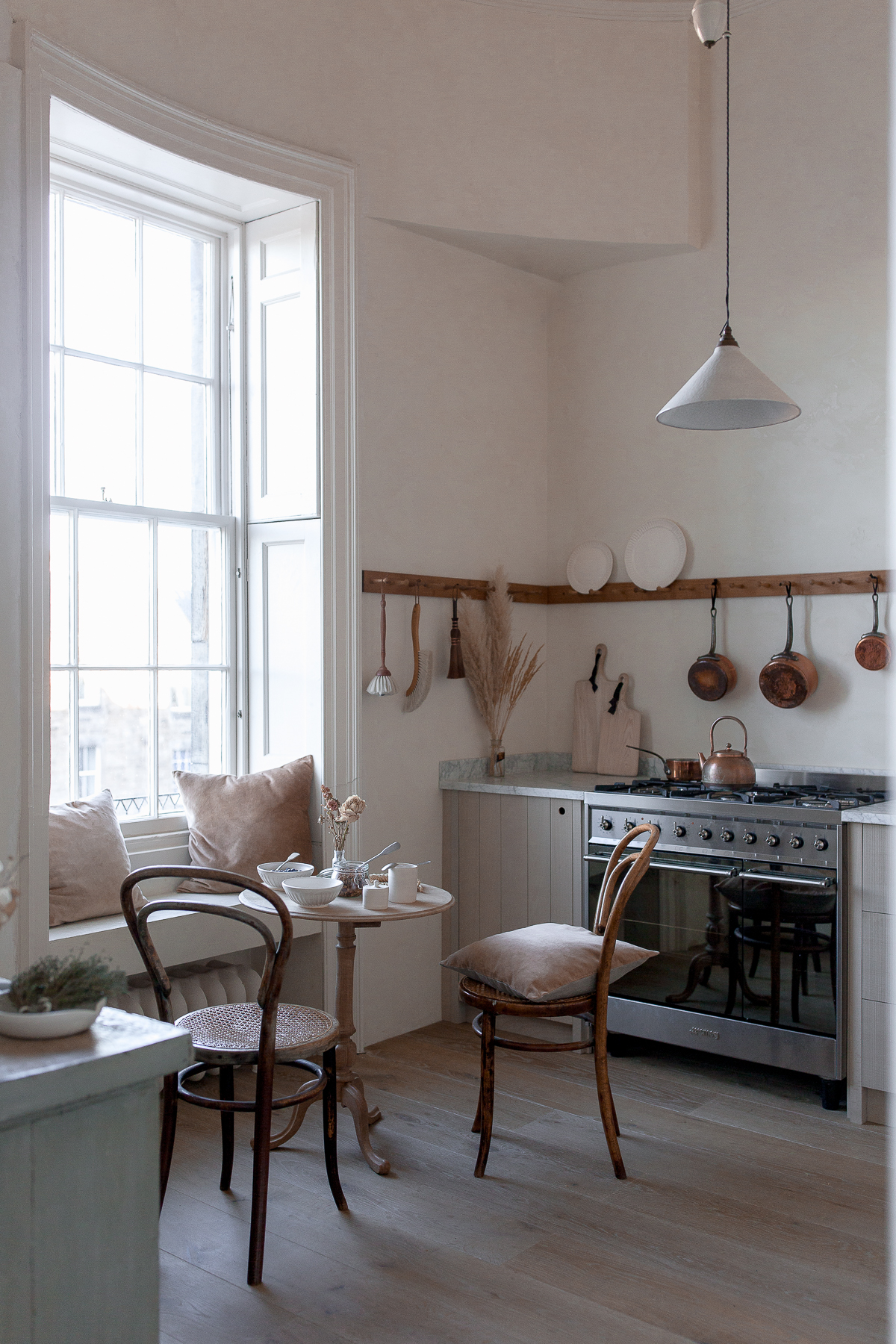 2. Photography Credit to Ingredients LDN - The Ingredients LDN Kitchen by deVOL - Low-Res.jpg