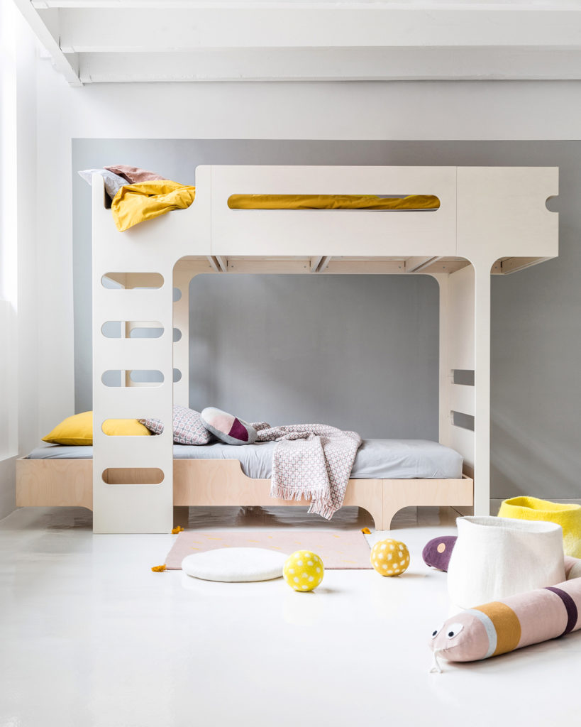 F & A75 BED – SET FOR 2 KIDS - Do your children share a single room? The younger one would like to have a bunk bed and the older needs a teen bed already?