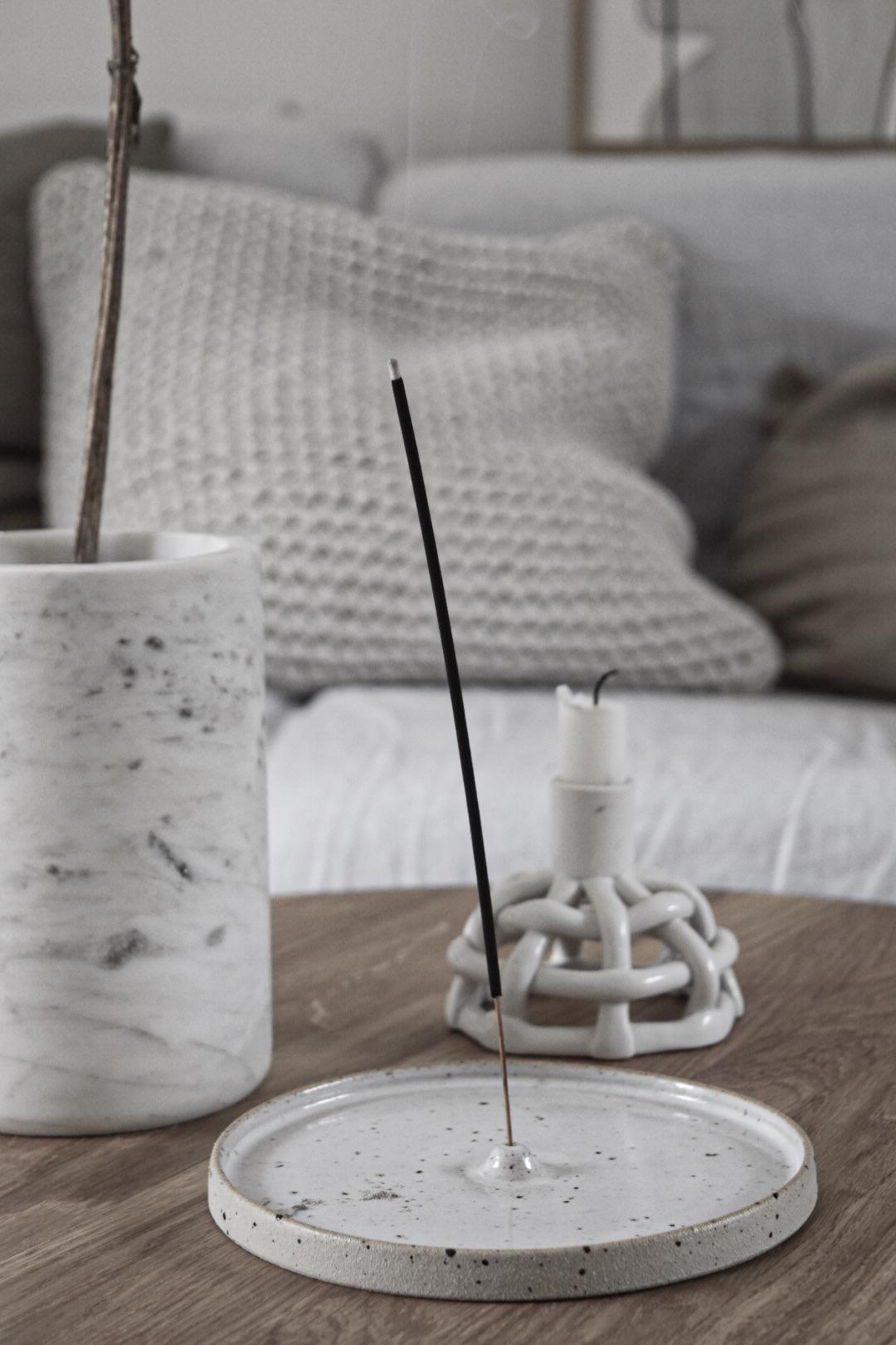 Incense holder speckled