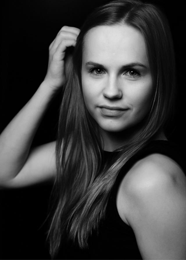 HEIDI LAAKSO - ► Syntymävuosi: 1995► Kotikunta: Espoo► Tuotannot: Stadin kundi; Svenska Teatern (2018), Legally Blonde; TaDaM (2014), The Station; Rmo Tauko (2011).► Muu: Tanssinopettaja ja koregrafi vuodesta 2014 useissa tanssikouluissa, tanssija mainoksissa ja musiikkivideoissa, useita musiikkiteatterin koulutusohjelmia ja tanssipedagogiikan sivuaine.CV