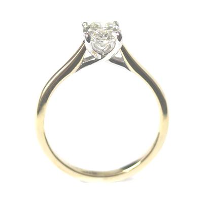 18ct Yellow Gold 1ct Oval Cut Diamond Engagement Ring 2.jpg