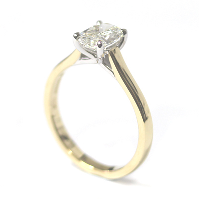 18ct Yellow Gold 1ct Oval Cut Diamond Engagement Ring 3.jpg